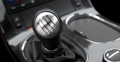Как переключать скорости на механической коробке передач