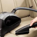 Как выбрать автомобильный пылесос