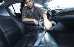 Как почистить салон авто в домашних условиях